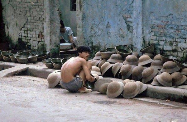Výrobna vojenských čepic pro vojáky