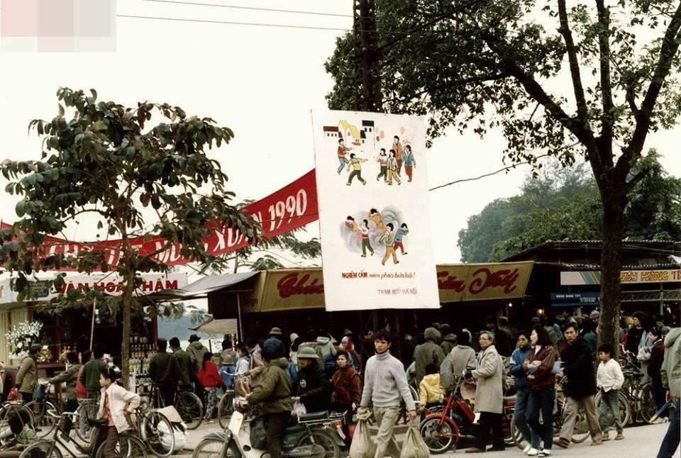Jarní trhy. Ulice Hang Khay