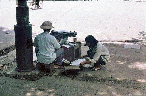 Před dobou počítačů, služba přepisování dokumentů bylo hodně žádané